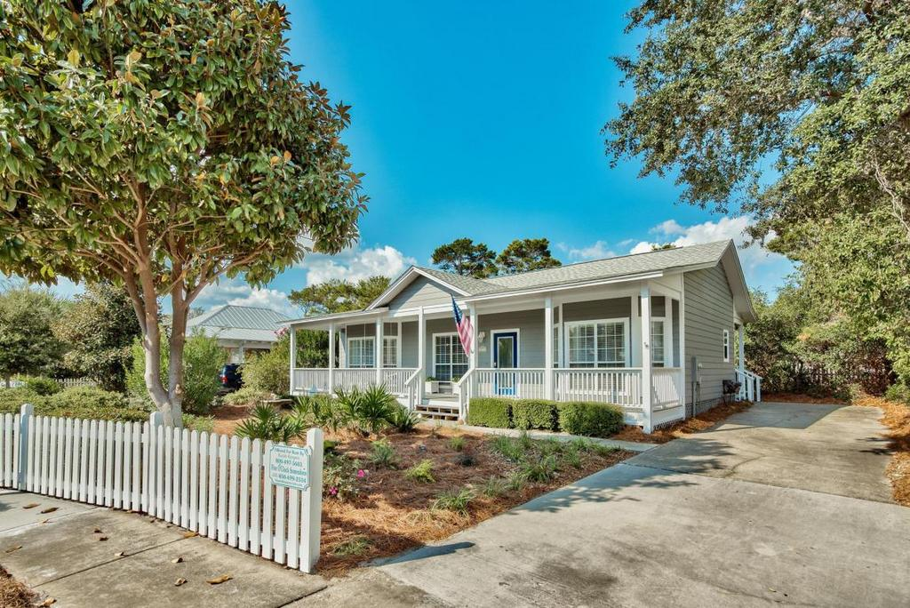 Adorable Crystal Beach Cottage For Sale