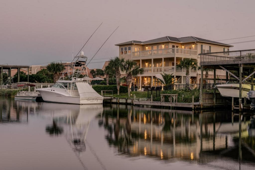 523 Gulf Shore Dr, DESTIN