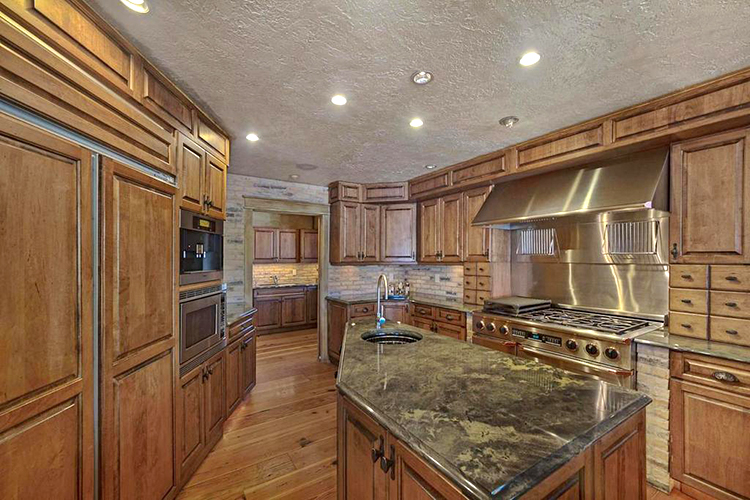 623 Lagoon Drive Kitchen