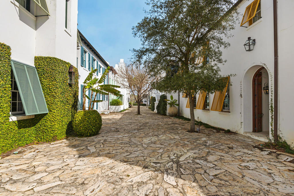Alys Beach Alley