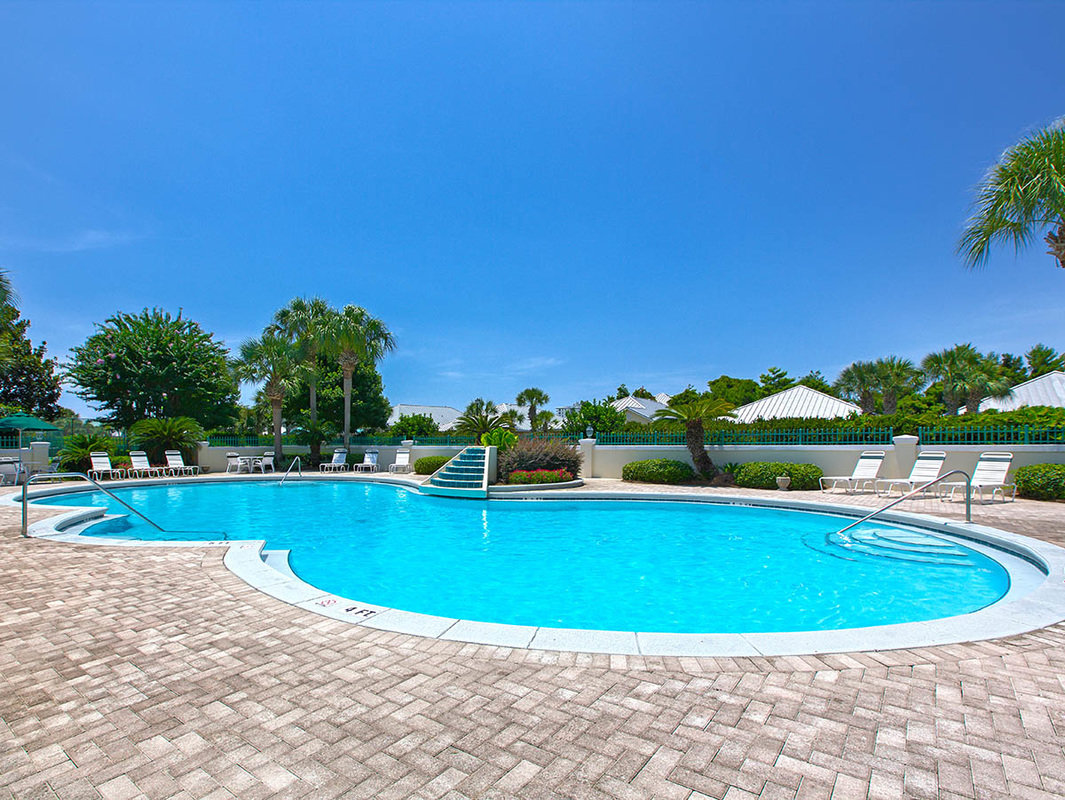 Avalon Beach Estates Pool