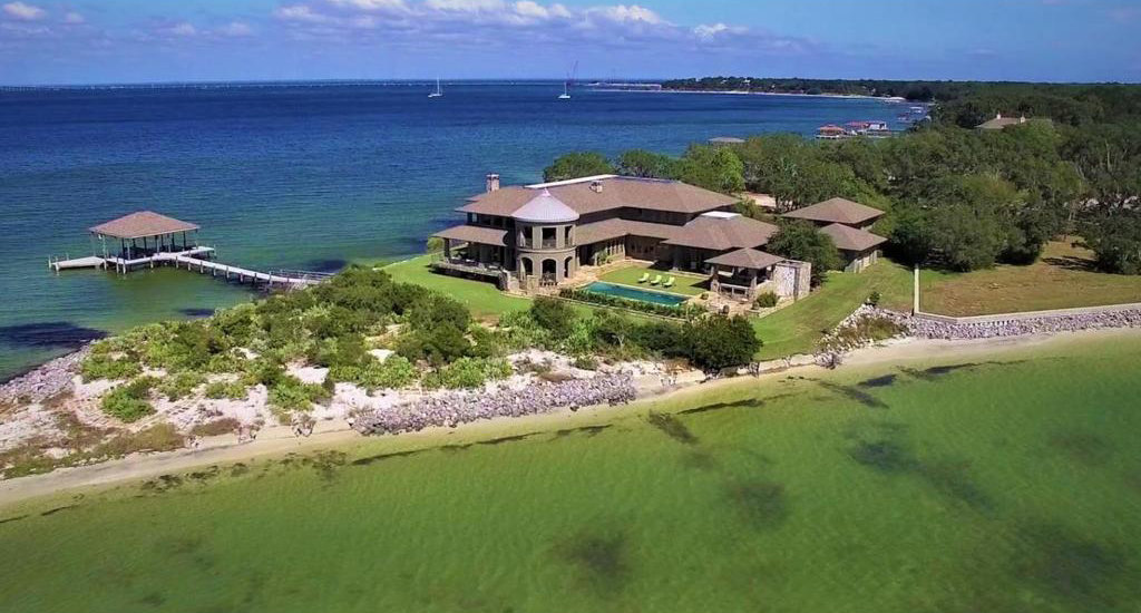 Gulf Breeze Waterfront Mansion