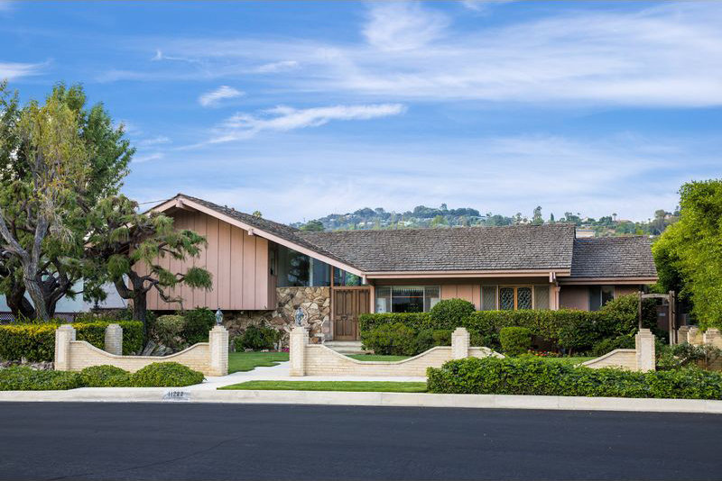 Buy Brady Bunch Home